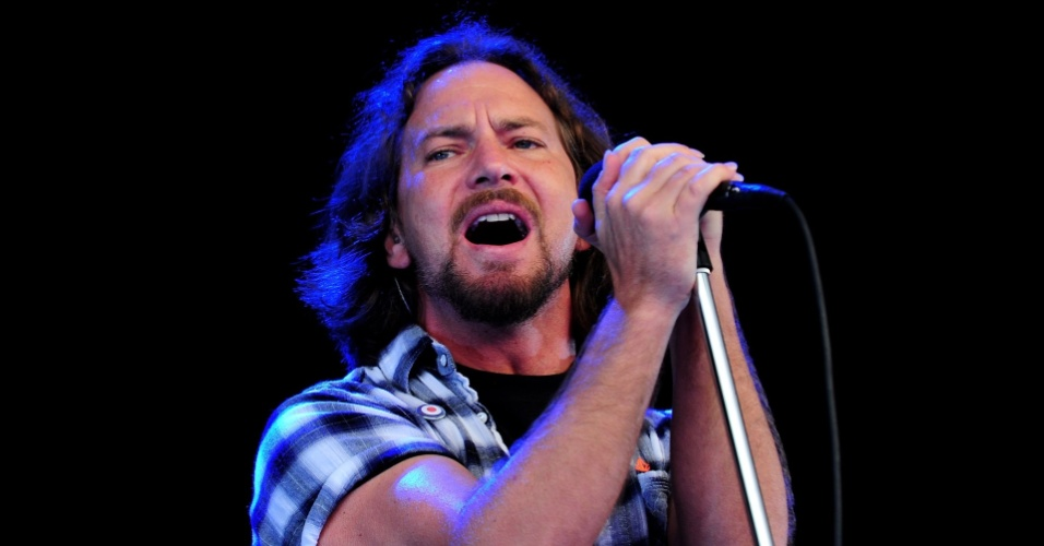 Eddie Vedder faz show com o Pearl Jam no Festival Hard Rock Calling, no Hyde Park de Londres, Inglaterra (25/06/2010)