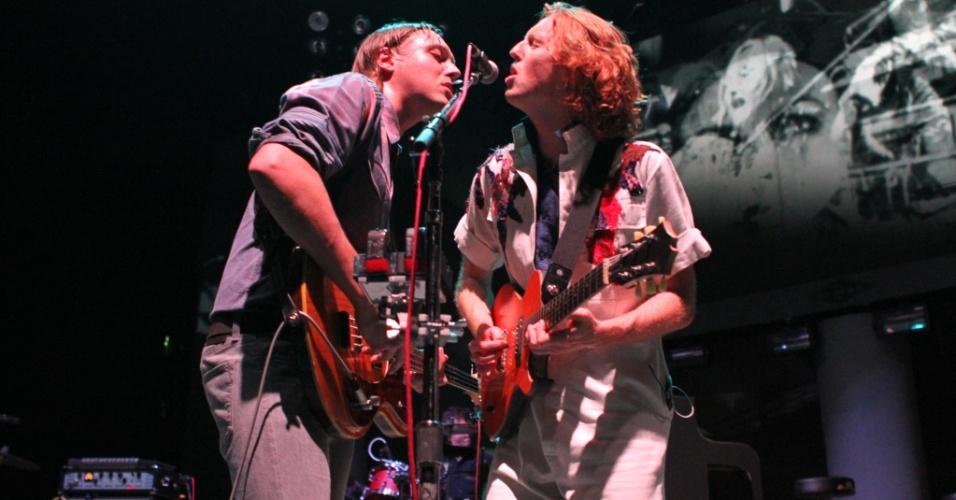 Win Butler e Richard Reed Parry durante show do Arcade Fire no Madison Square Garden, em Nova York (04/08/2010)
