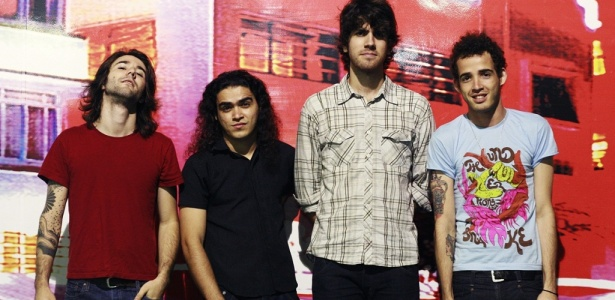 Victor Rocha, Renato Cunha, Denis de Castro e Douglas Castro, integrantes da banda Black Drawing Chalks