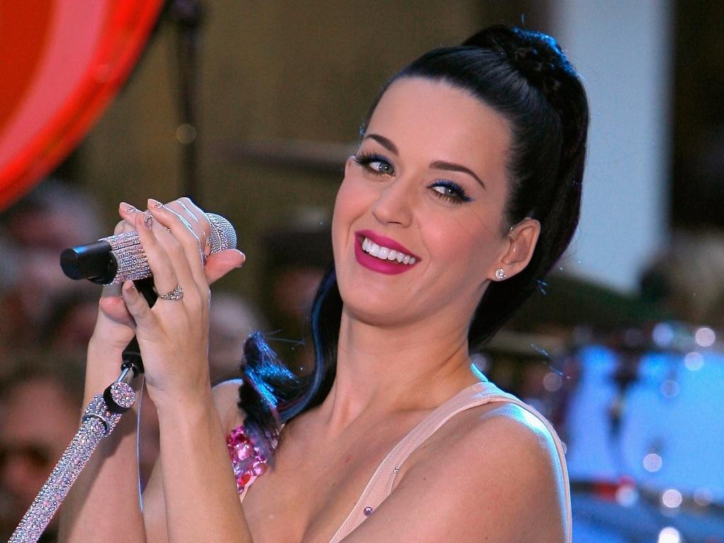 Katy Perry se apresenta em Nova York para o programa de TV