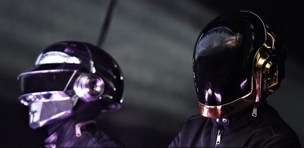 A dupla Daft Punk durante apresentação no O2 Wireless Festival, em Londres (16/06/2007)