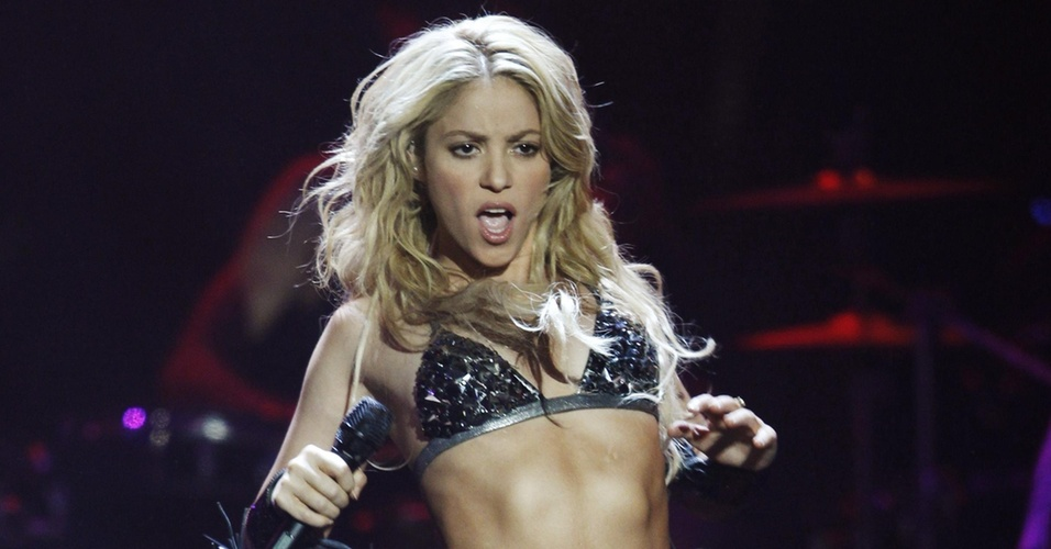 Shakira faz show no MTV Europe Music Awards 2010 (07/11/2010)