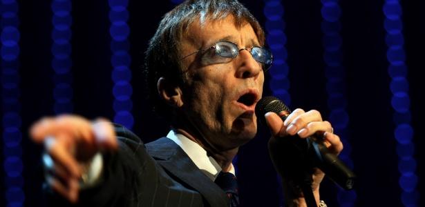O cantor Robin Gibb, dos Bee Gees, durante apresenta��o no German Opera Ball, no Alte Oper, em Frankfurt (28/02/2009)