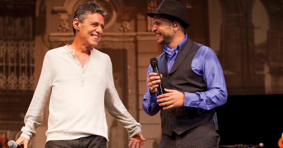 Chico Buarque participa da gravação do DVD ao vivo de Diogo Nogueira,