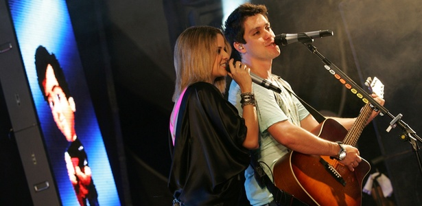 Maria Cecília & Rodolfo durante apresentação na Marina da Glória, no Rio de Janeiro (03/12/2010)
