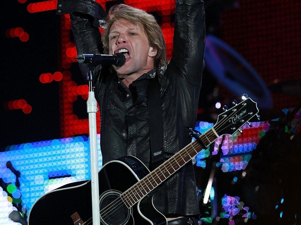 Jon Bon Jovi faz show com o Bon Jovi em Melbourne, no sábado (11/12/2010)