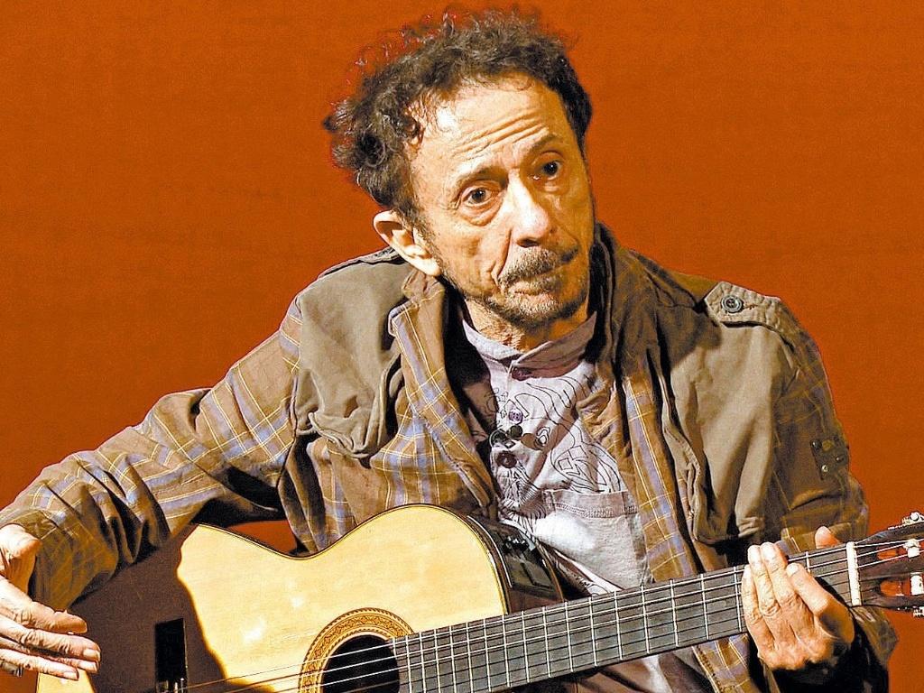 O cantor e compositor Tom Zé em foto de 2009