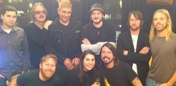 Foo Fighters em estúdio ao finalizar sétimo disco da carreira (03/01/2011)