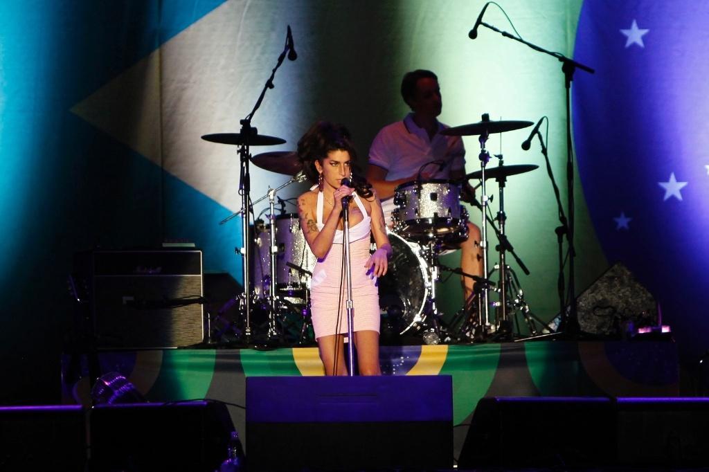 Amy Winehouse em show em Florianópolis (09/01/2011)