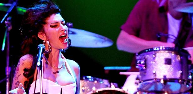 Amy Winehouse durante show no Summer Soul Festival, na Arena Anhembi, em São Paulo (15/01/2011)