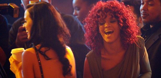 Katy Perry (de costas) e Rihanna: cantoras se apresentam pela primeira vez no Brasil