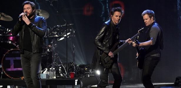 Duran Duran se apresenta no evento VH1's Pepsi Super Bowl Fan Jam na cidade de Grand Prairie, no Texas (03/02/2011)