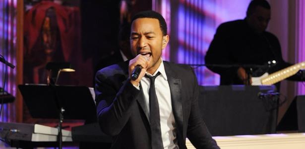 John Legend canta durante evento em homenagem à gravadora Motown na Casa Branca, em Washington (24/02/2011)