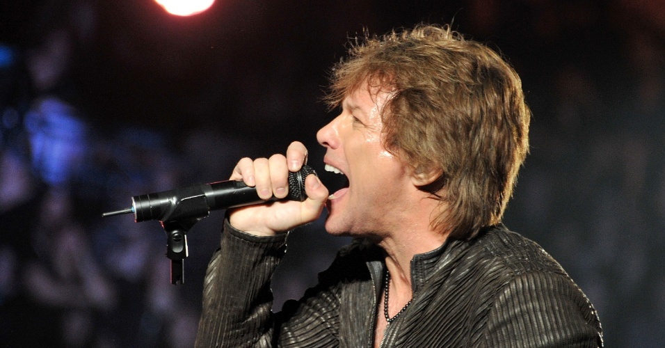 Jon Bon Jovi canta durante show do Bon Jovi no Madison Square Garden, em Nova York (24/02/2011)