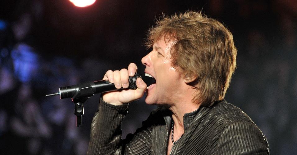 Jon Bon Jovi canta durante show do Bon Jovi no Madison Square Garden, em Nova York (24/02/2011)
