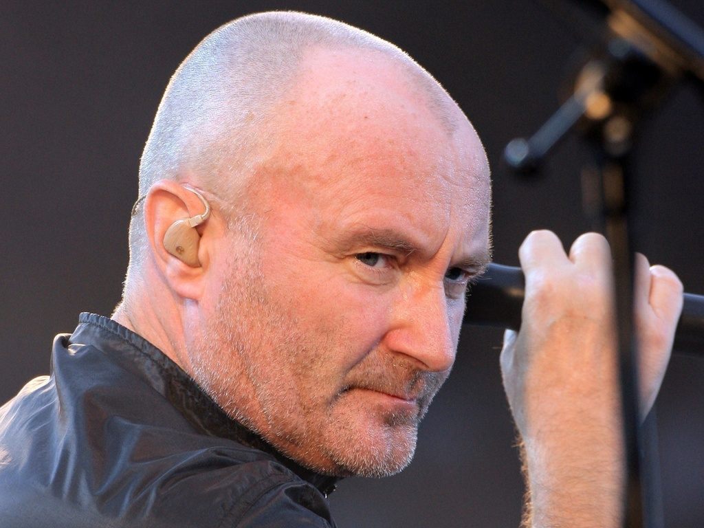 Phil Collins em show do Genesis em Paris, França (30/06/2007)
