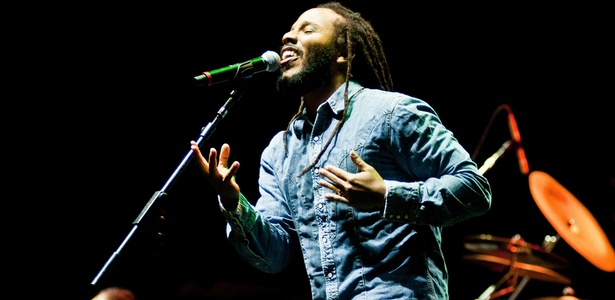 Ziggy Marley durante apresenta&#231;&#227;o no Pop Music Festival de 2011, em Porto Alegre