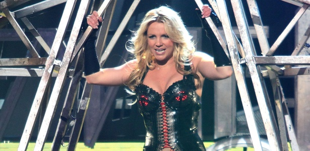 Britney Spears grava show para o programa de TV Good Morning America, em S�o Francisco, EUA (27/03/2011)