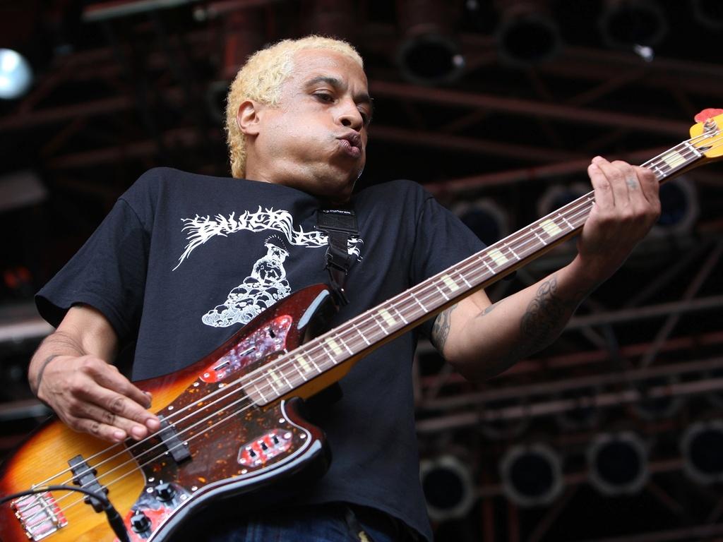 O baixista Sergio Vega durante apresentação do Deftones no Big Day Out Festival em Auckland, na Nova Zelândia (21/01/2011)