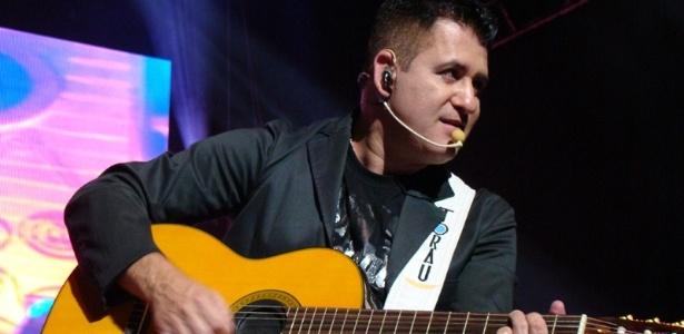 O cantor Marrone, da dupla Bruno e Marrone, durante apresentação