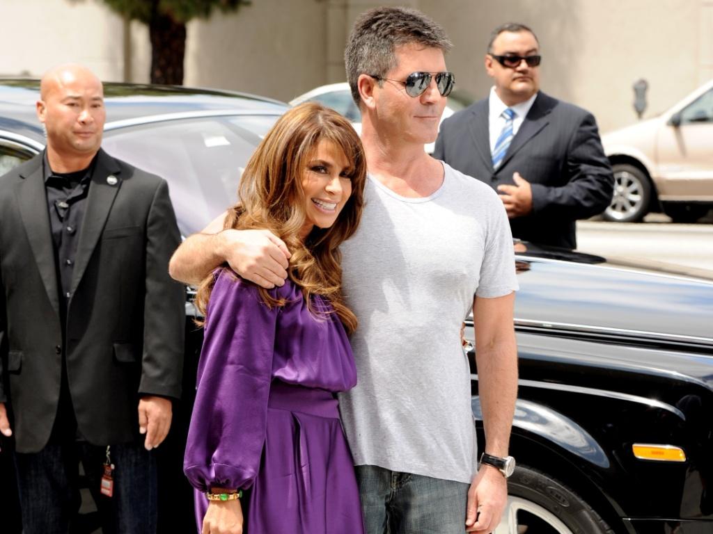 Paula Abdul e o produtor Simon Cowell chegam à primeira etapa de audições do programa
