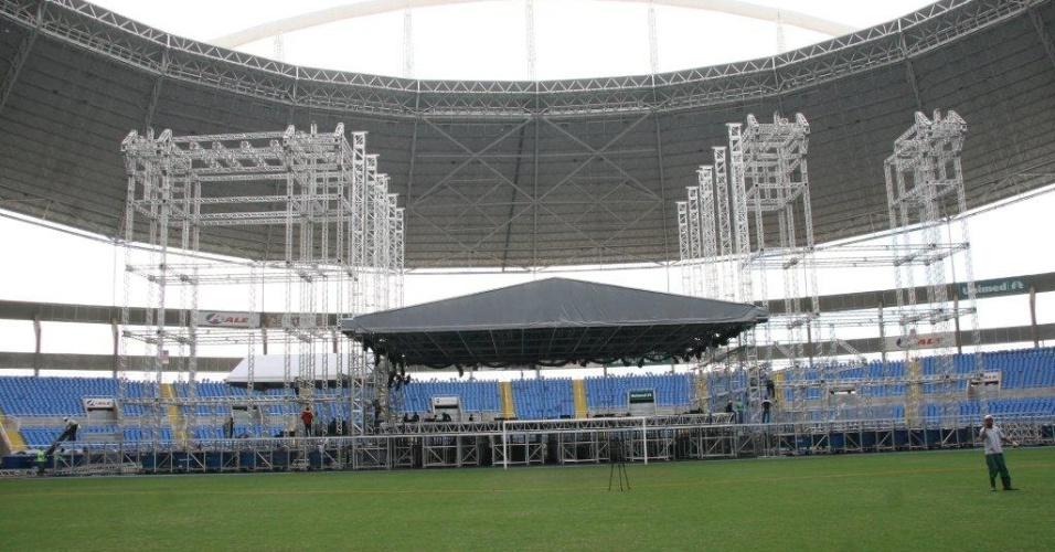 Palco do show de Paul McCartney no Rio de Janeiro já começou a ser montado no Engenhão (18/05/2011)