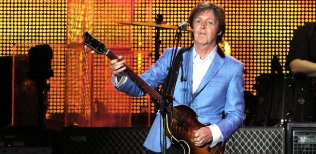 Paul McCartney durante sua primeira apresentação no Rio de Janeiro, no Estádio João Havelange, pela turnê Up and Coming Tour (22/05/2011)