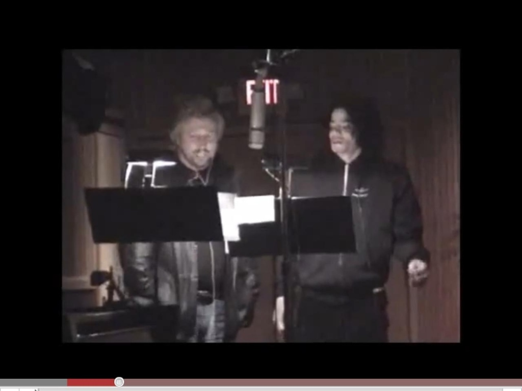 Barry Gibb, do Bee Gees, e Michael Jackson, gravando a música