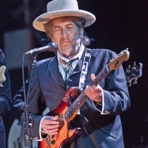 Cantor e compositor Bob Dylan durante show no festival London Feis no no Reino Unido (19/06/2011)