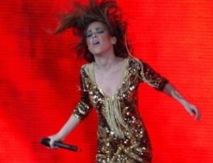 Wanessa faz show em comemoração à Semana do Orgulho Gay, em SP (22/6/11)