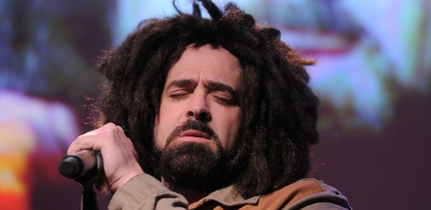 Adam Duritz durante apresenta��o no Joyful Heart Foundation Gala 2011 no MOMA, em Nova York (17/5/2011)