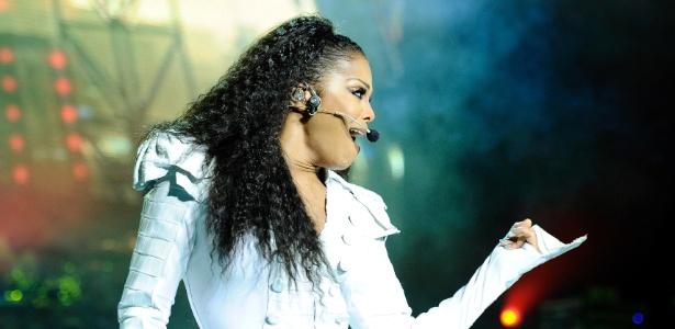 A cantora Janet Jackson durante apresenta��o no Royal Albert Hall, em Londres (30/06/2011)