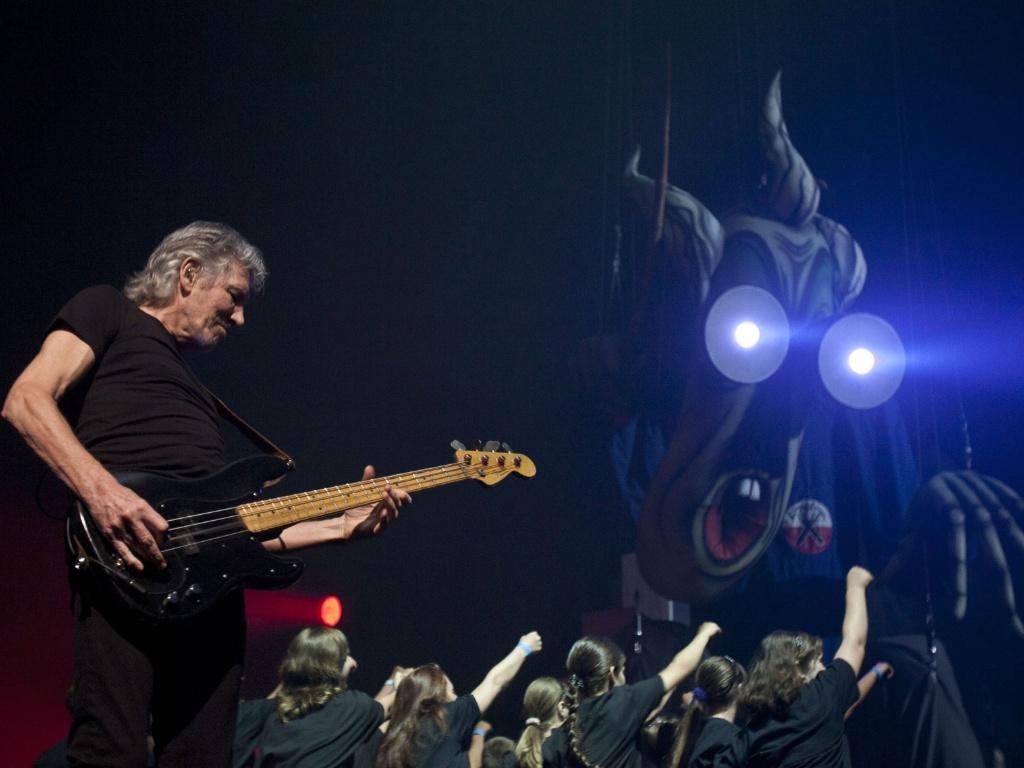 Roger Waters, um dos fundadores do Pink Floyd, durante a turnê