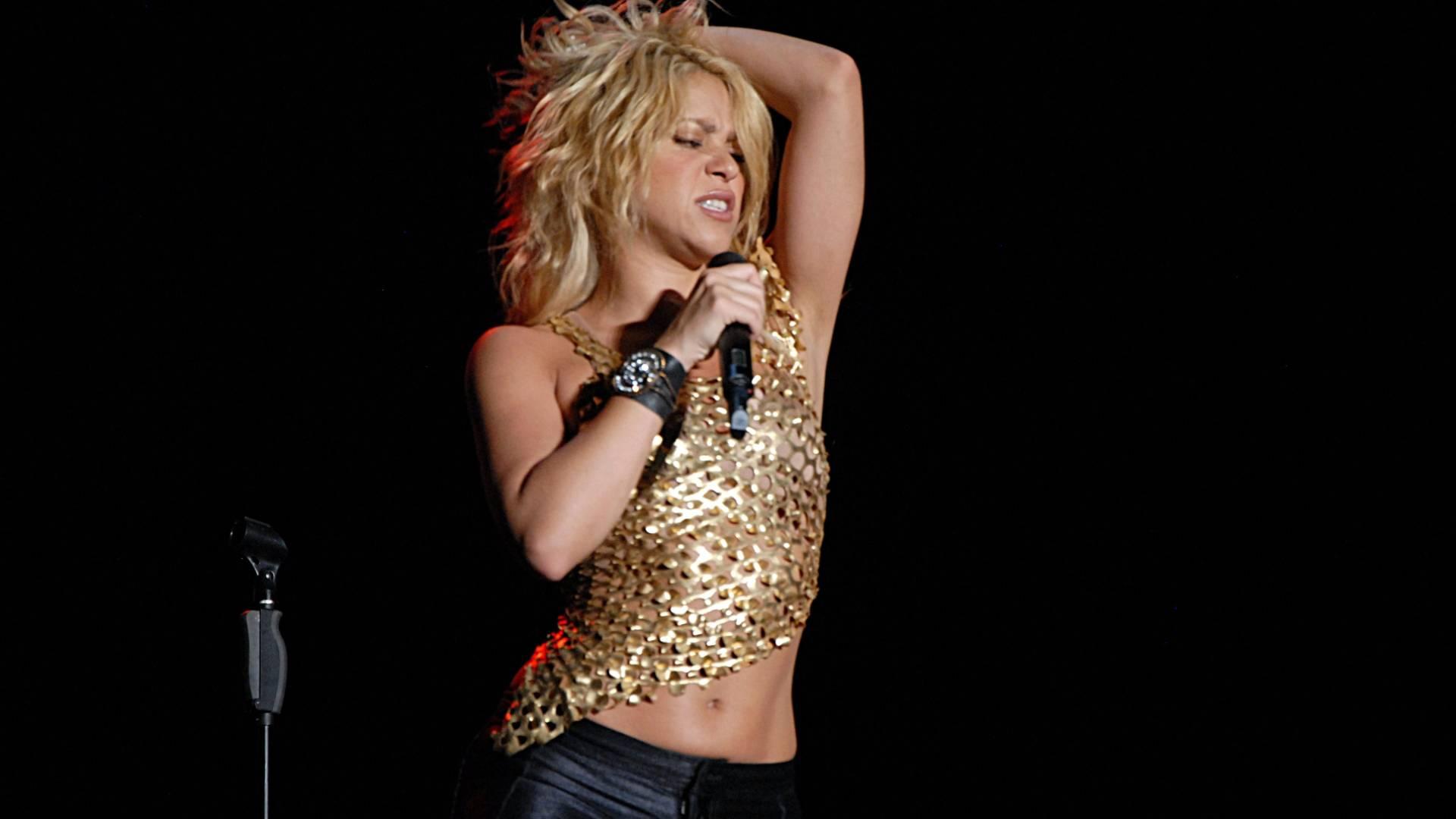 Shakira se apresenta em show gratuito em Mérida, México (16/7/11)