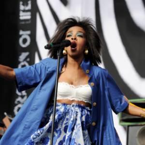 Lauryn Hill se apresenta no festival L.A. Rising, nos Estados Unidos (30/07/2011)