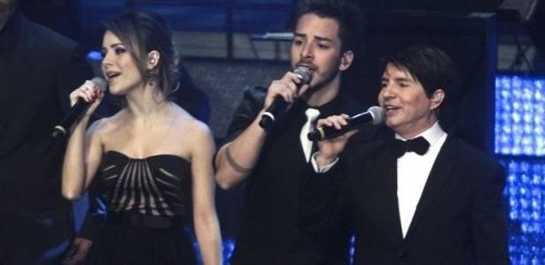 Chitãozinho e Xororó cantam com Sandy e Junior em gravação de DVD m comemoração aos 40 anos de carreira