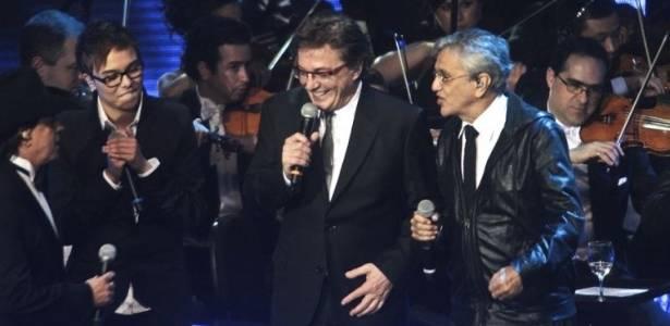 Chitãozinho, Maria Gadú, Fábio Jr. e Caetano Veloso cantam em gravação do DVD