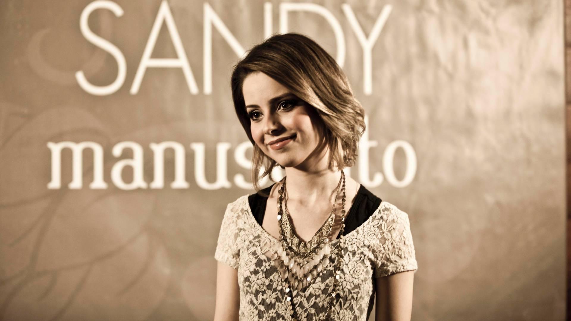 A cantora Sandy conversa com a imprensa antes do show de gravação de seu DVD
