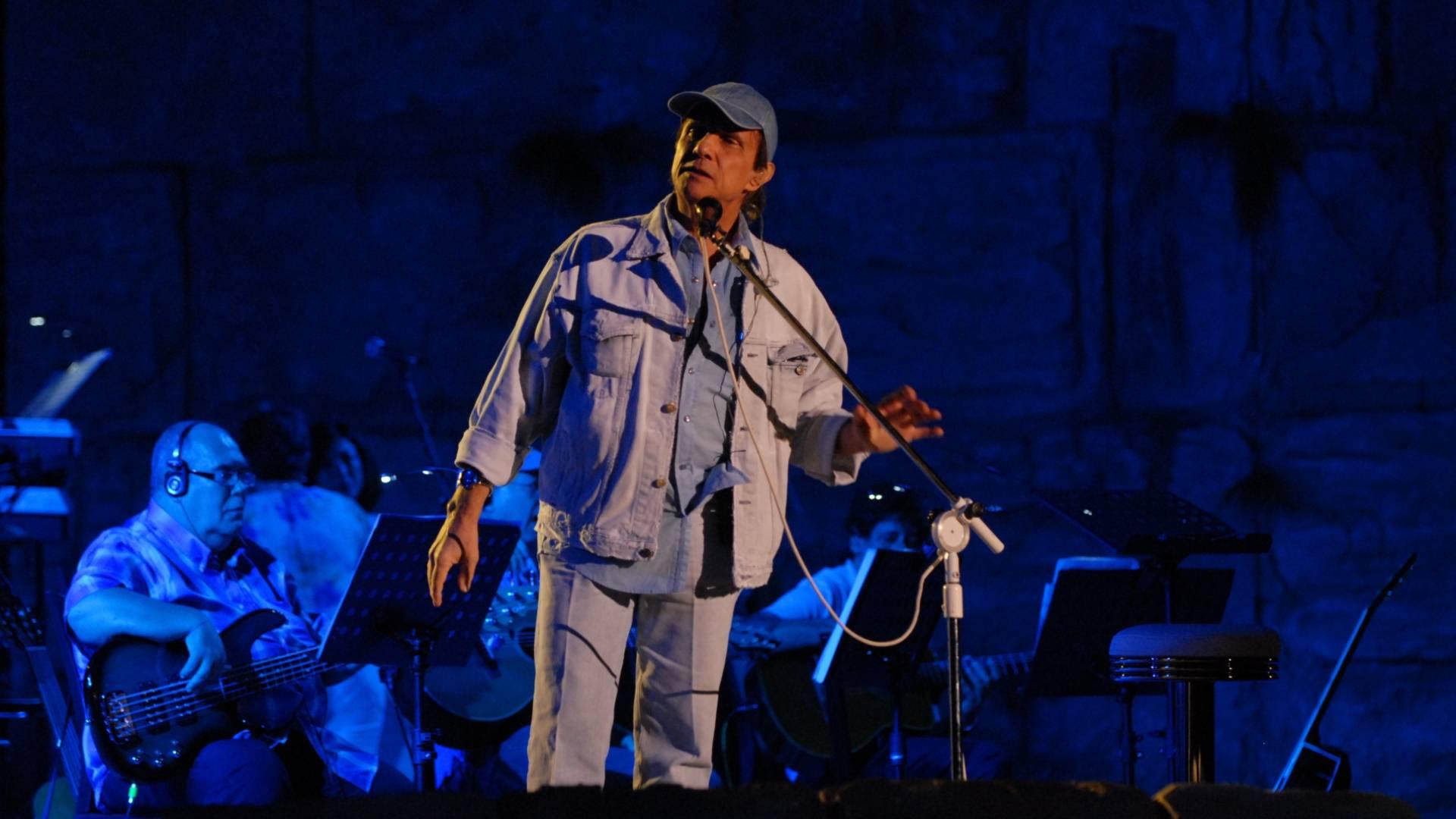 Roberto Carlos ensaia em Jerusalém para show da noite de hoje (7/9/11)