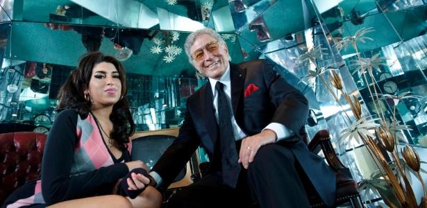 Amy Winehouse e Tony Bennett em foto que vem no encarte do CD Duetos 2