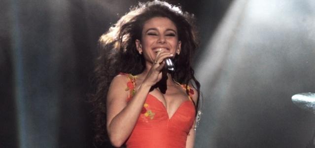 Após acidente, Paula Fernandes faz show em São Paulo (16/9/11)