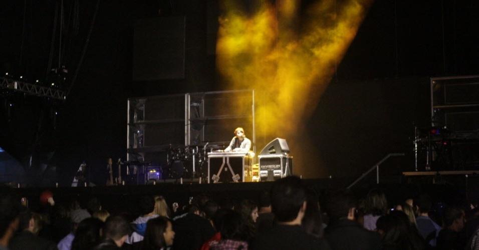 DJ toca antes da apresentação de Rihanna em São Paulo