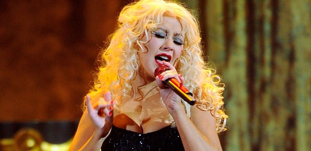 Christina Aguilera se apresenta no American Music Awards 2010, em Los Angeles (21/11/2010)