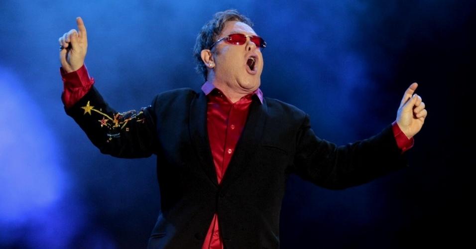 Elton John se apresenta na primeira noite do Rock In Rio (24/9/2011)