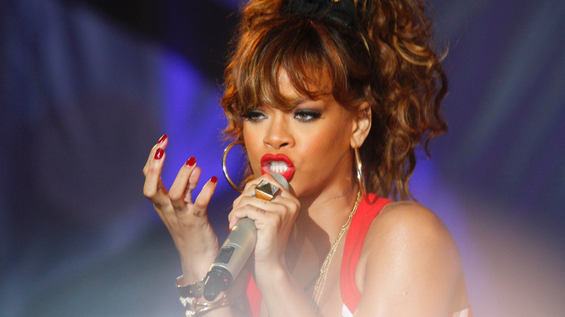 Rihanna se apresenta na primeira noite do Rock In Rio 2011 (23/09/2011)