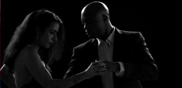 Marisa Monte dança com Anderson Silva no clipe de