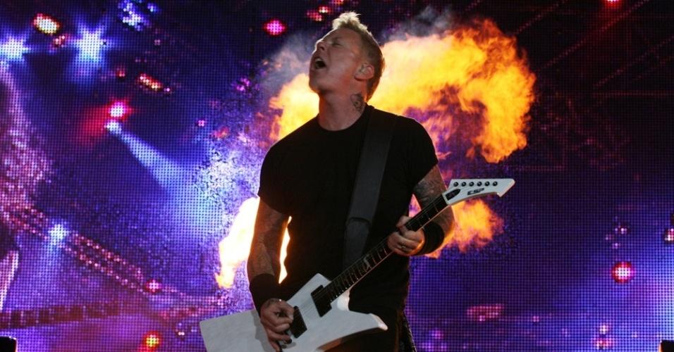 James Hetfield, do Metallica, encerra terceira noite de shows do Rock In Rio (25/09/2011)