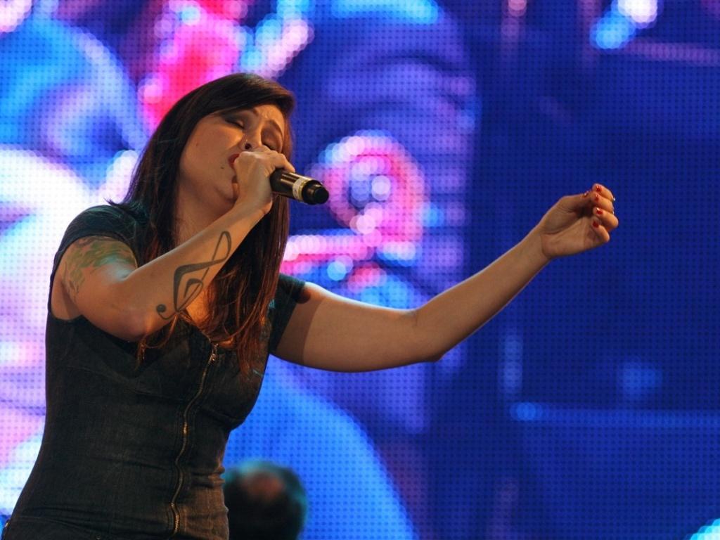 Pitty canta sucessos da Legião Urbana com a Orquestra Sinfônica Brasileira no Palco Mundo (29/9/2011)