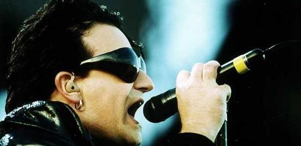 Bono e os óculos mosca que vêm em box que celebra 20 anos do álbum Achtung Baby