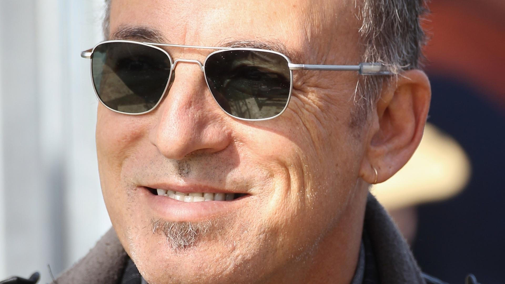 O músico Bruce Springsteen assiste corrida de cavalos da filha Jessica em Windsor, Inglaterra (13/5/2011)